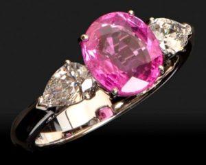 Розовый рубин кольцо